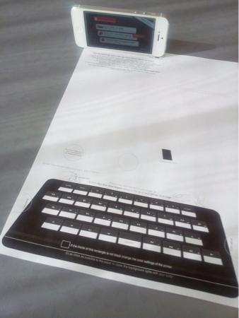 キーボードにiPhoneを設置